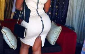 Meet Sexy Sugar Mummy From Abuja Looking For Men