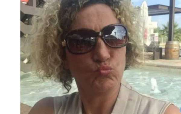 Single Rich Sugarmummy In UK Want To Date Again